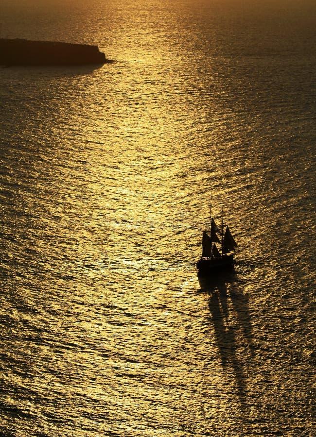 oerhört över havssolnedgång royaltyfri foto