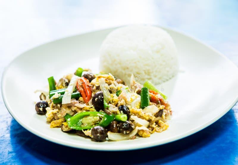Oeuf au plat de porc avec du riz du plat photographie stock libre de droits