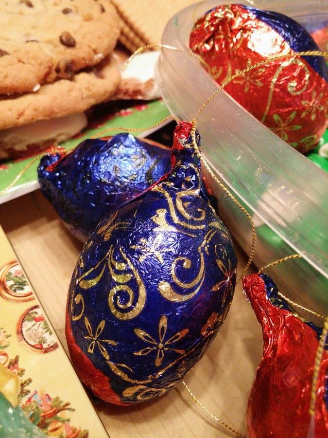 Oeuf d'aluminium de chocolat de vacances images stock