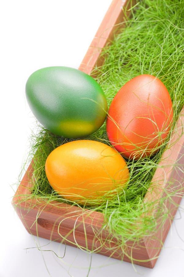 Oeuf de pâques vert et orange photos libres de droits