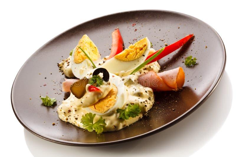 Oeufs à la coque avec la mayonnaise photos stock