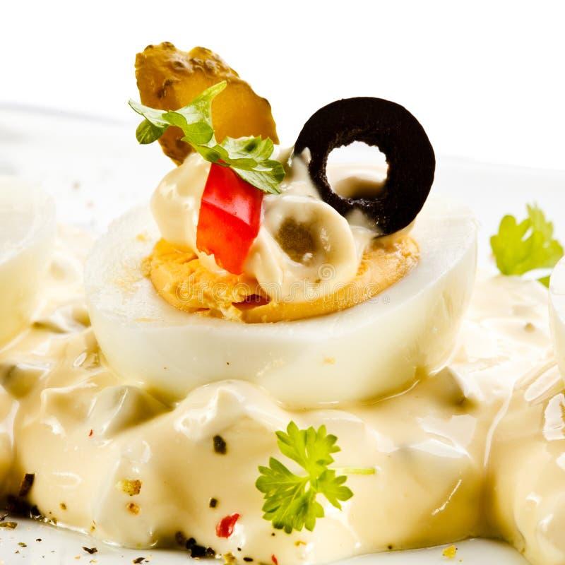 Oeufs à la coque avec la mayonnaise image libre de droits