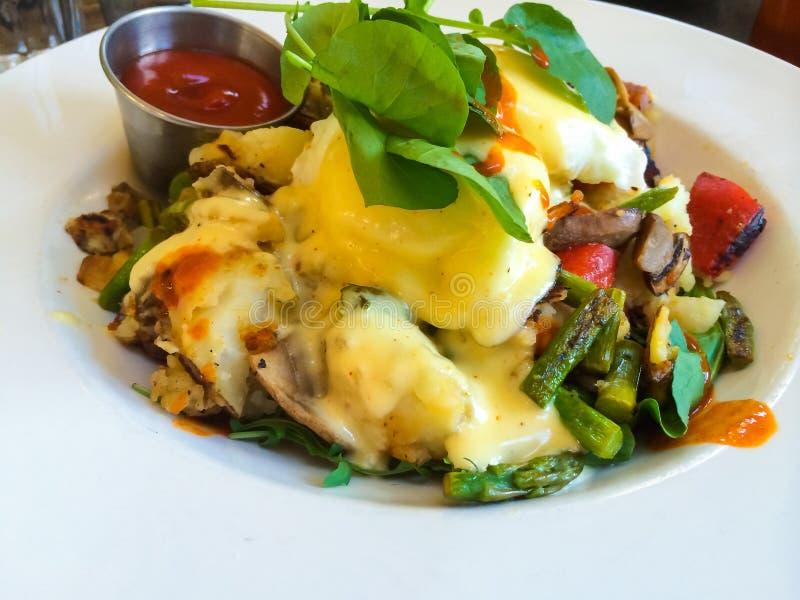 Oeufs Benedict Breakfast Plate photos libres de droits