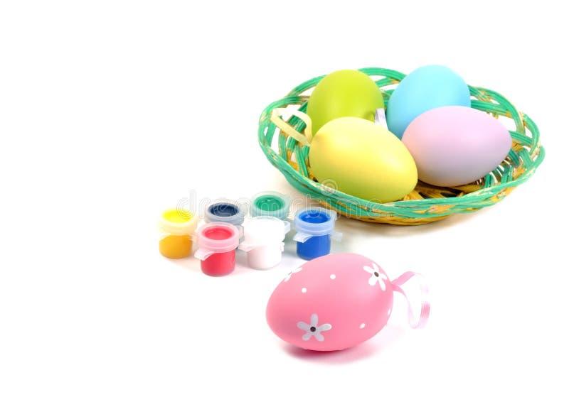 Oeufs colorés de Pâques images libres de droits