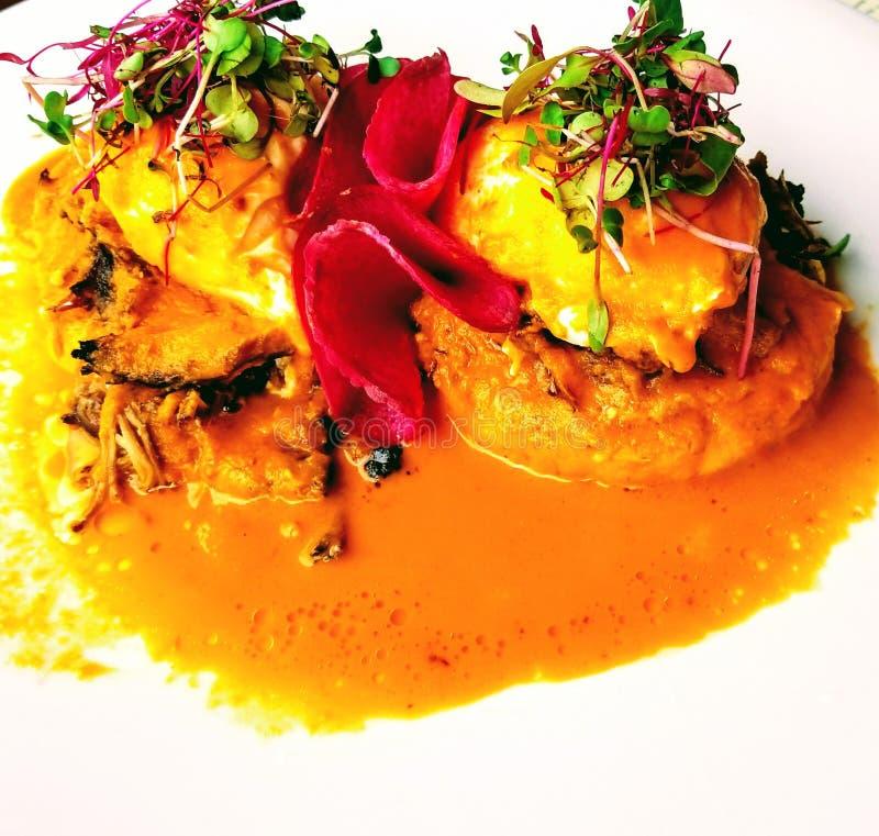 Oeufs délicieux Benoît de crabe pour le petit déjeuner image libre de droits
