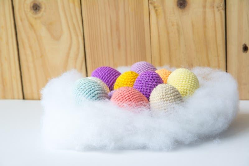oeufs de fils à tricoter image stock