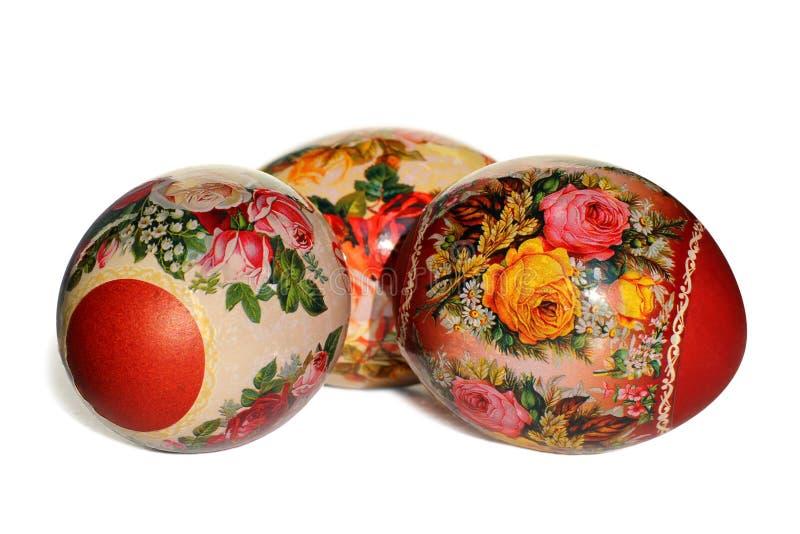 Oeufs de pâques avec l'ornement floral images stock