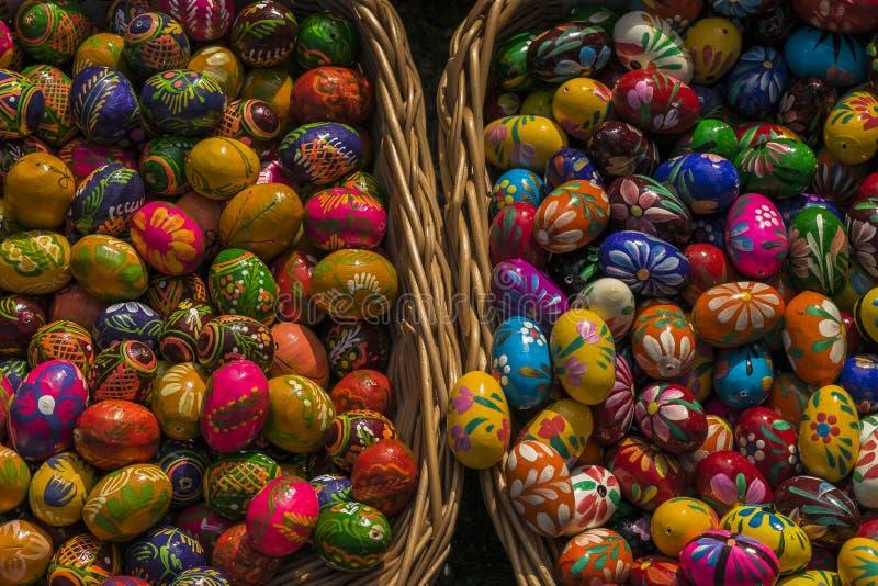 Oeufs de pâques peints photographie stock