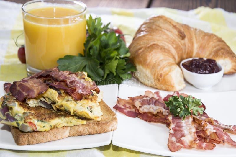 Oeufs de petit déjeuner image libre de droits