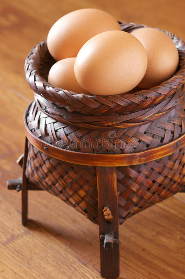 Oeufs de poulet de Brown photos libres de droits