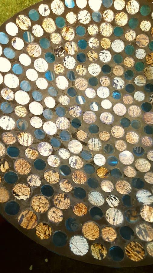 Download Oeuvre D'art De Pièce De Monnaie D'or Et En Verre Vert Image stock - Image du vert, glace: 87709143