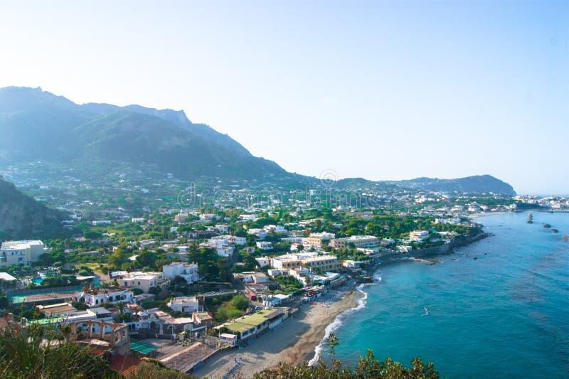 Oever in Italië, Ischia stock afbeeldingen