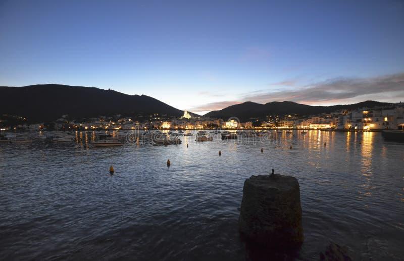 Oever van de beroemde stad van Cadaques royalty-vrije stock foto