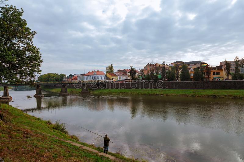 Oezjgorod-stad in het westen van Oekraïne, het administratieve centrum van de Transcarpathische regio stock afbeelding
