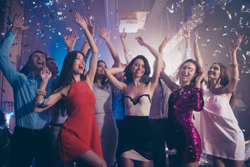 Oförsiktig, bekymmerslös, dröm- drömlik persondans på företags, fea royaltyfri fotografi