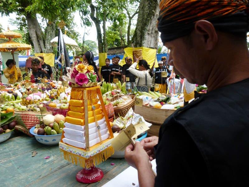Oferecimento hindu foto de stock royalty free