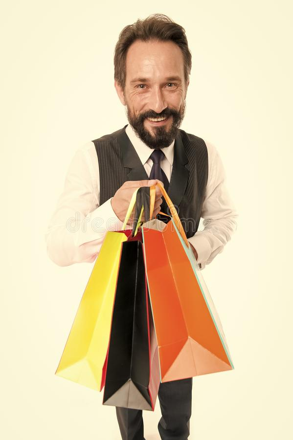 Oferta de la venta hombre de negocios feliz con la buena oferta de la venta bolsos de la venta de las compras de la oferta del ho foto de archivo libre de regalías