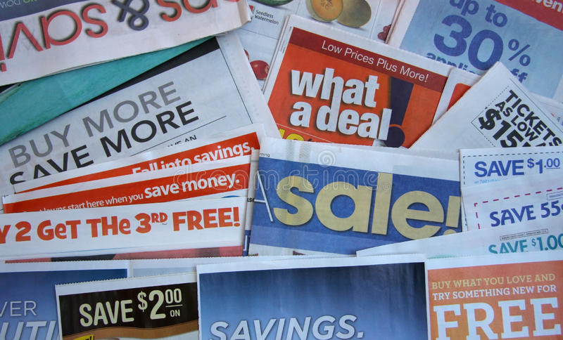 Oferta do vale com jornal fotografia de stock