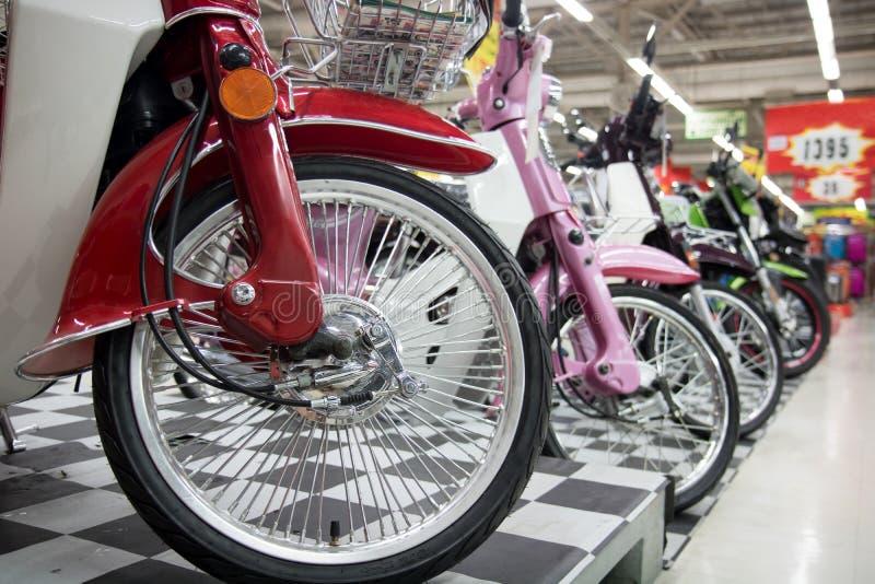 Oferta motocykl w centrum handlowym zdjęcia stock