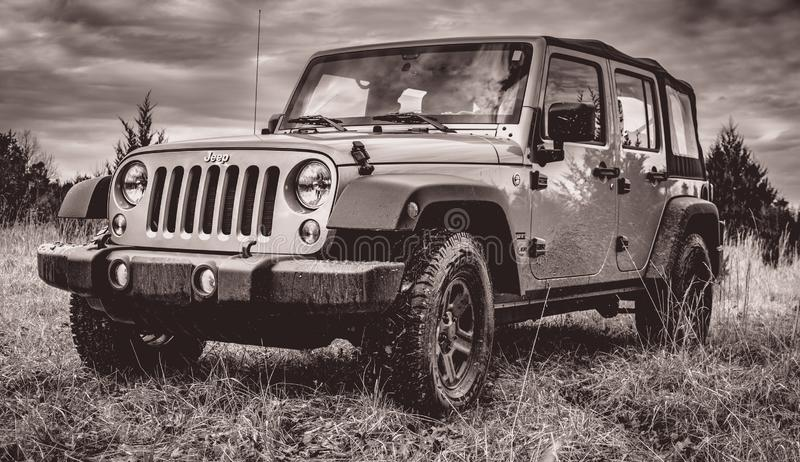 Off-roading dans Jeep Unlimited photographie stock