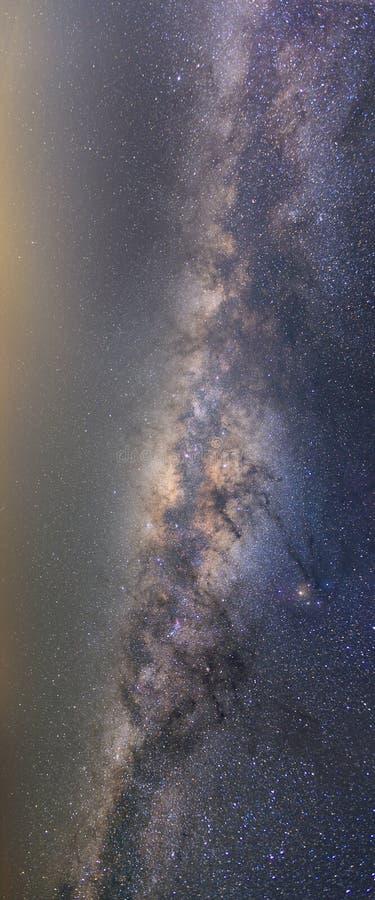 Offenbar Milchstraße auf nächtlichem Himmel mit Million Stern stockfotografie
