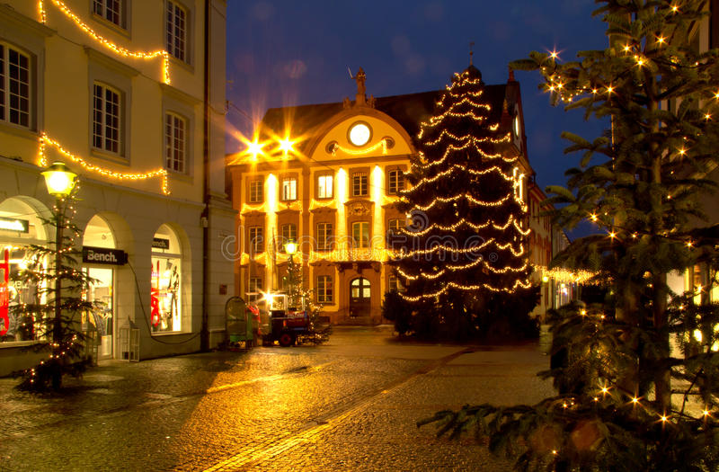 mercado de la navidad en offenburg alemania foto. Black Bedroom Furniture Sets. Home Design Ideas