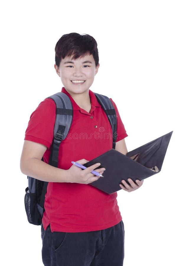 Offene Anmerkung und Lächeln des recht asiatischen Studenten der Junge stockbilder