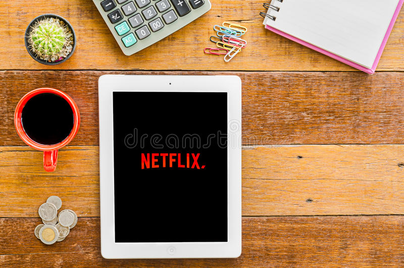 Offene Netflix Anwendung IPad 4 lizenzfreie stockfotografie