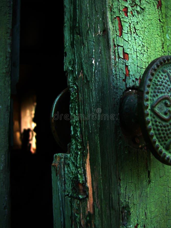 Offene Tür lizenzfreie stockbilder