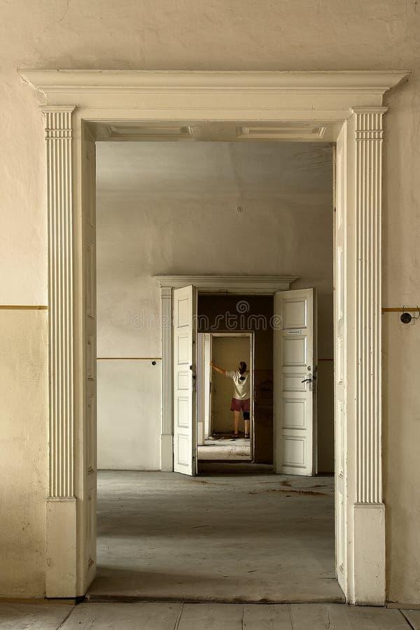 Offene Türen lizenzfreies stockfoto