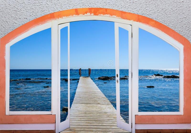 Offenes Fenster zum Meer stockfoto. Bild von küste, haupt - 63992772