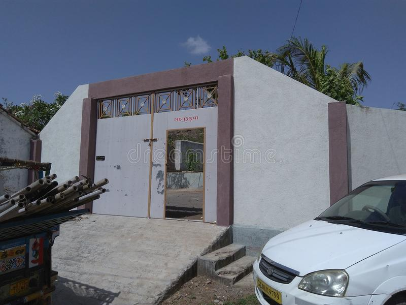 Offenes Haus mögen Haveli im Dorf stockfotografie