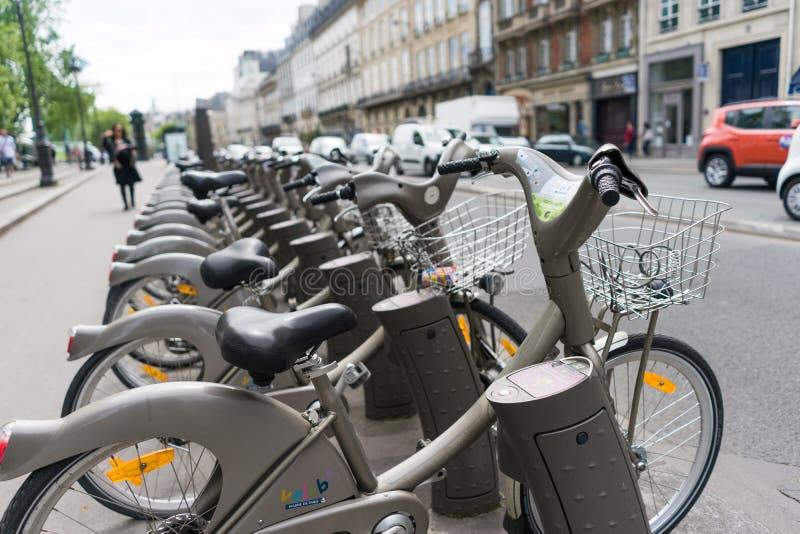 Offentlig cykelhyra royaltyfri bild