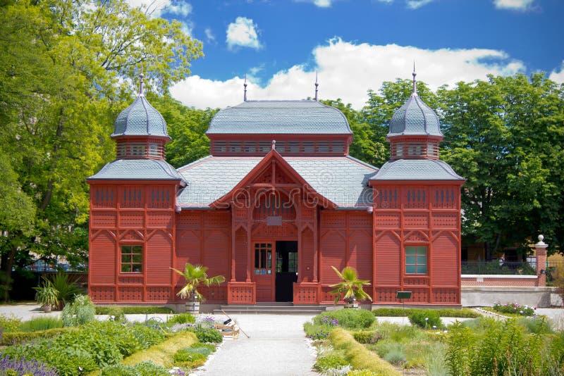 Offentlig paviljong för Zagreb botanisk trädgård arkivbild