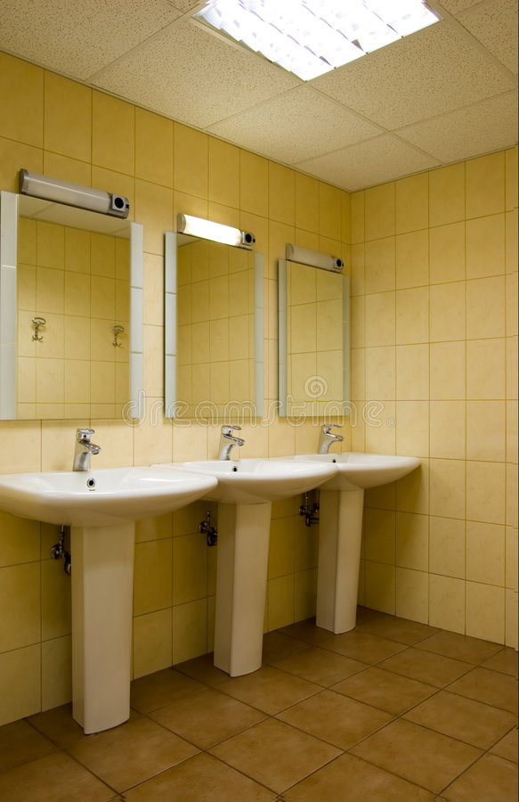 offentlig toalett arkivfoton