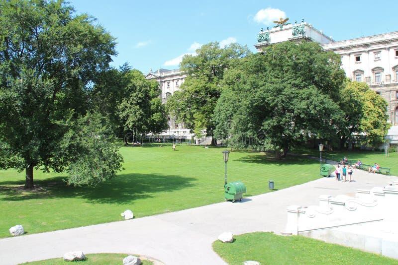 Offentlig trädgård - Wien - Österrike arkivbilder
