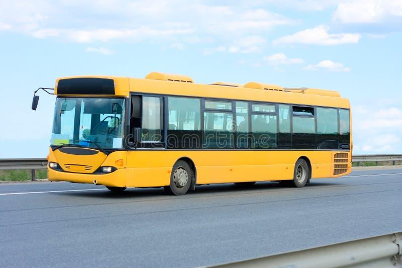 offentlig transportyellow för buss royaltyfri foto