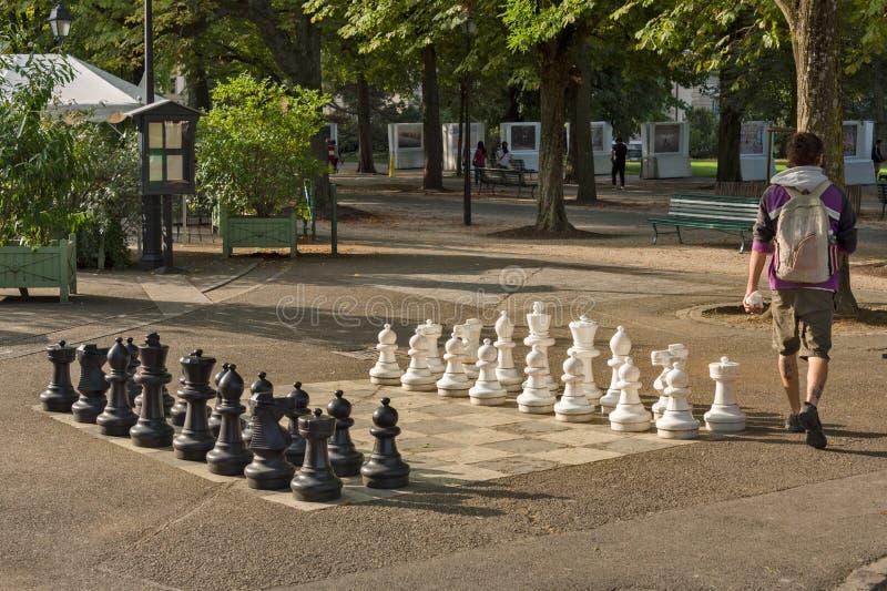 Offentliga schacklekar i bastioner parkerar, Genève royaltyfri foto
