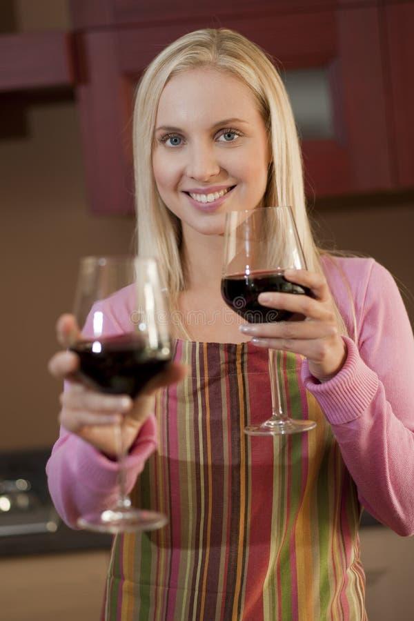 Offerta del vetro di vino fotografia stock