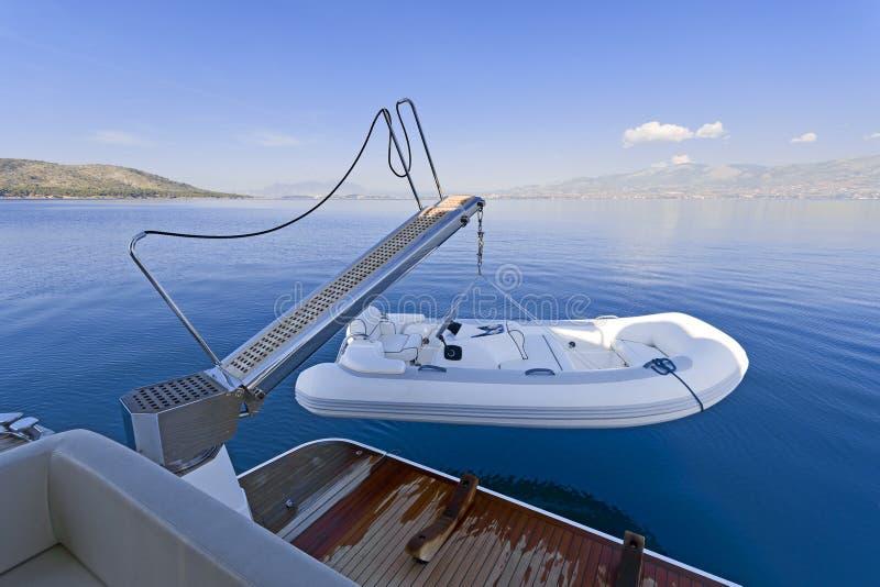Offerta dell'yacht del motore immagini stock
