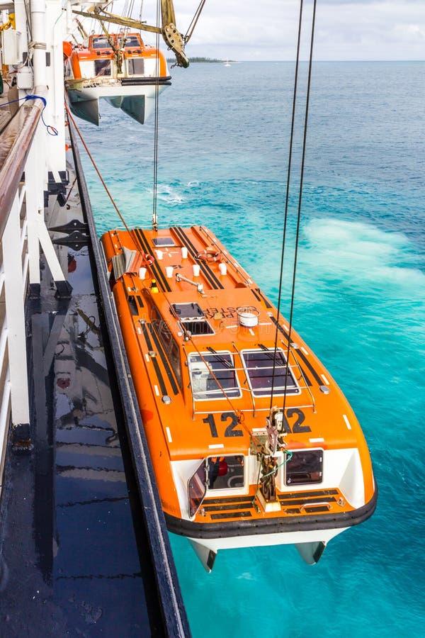 Offerte die van een cruiseschip worden verminderd stock foto