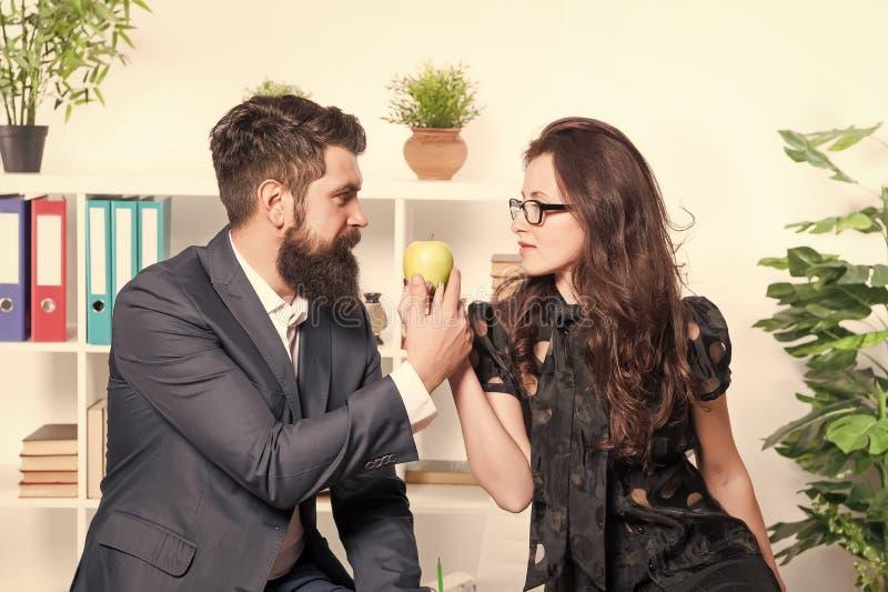 Flirten mit verheirateten kollegen