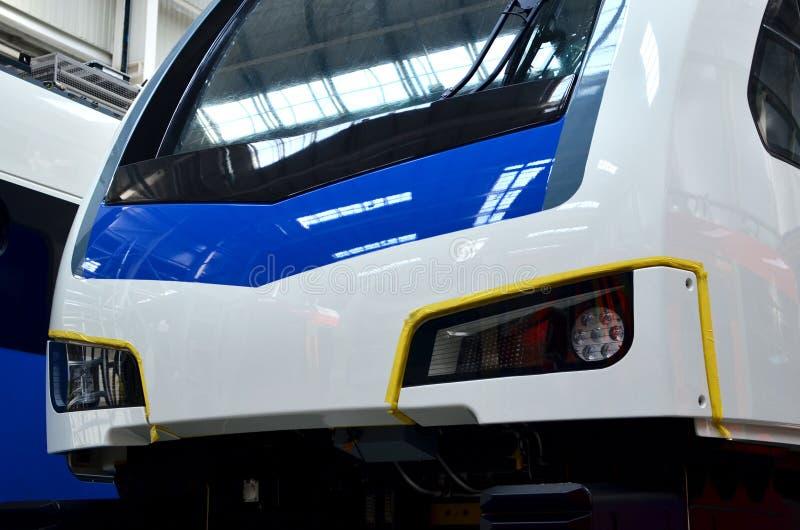 Officina industriale per la produzione dei treni ad alta velocità europei fotografia stock libera da diritti