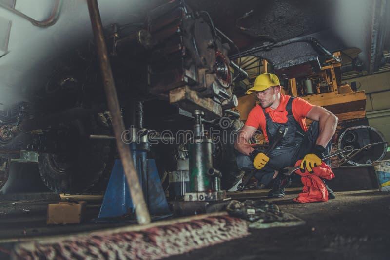 Officina riparazioni dell'attrezzatura pesante fotografie stock