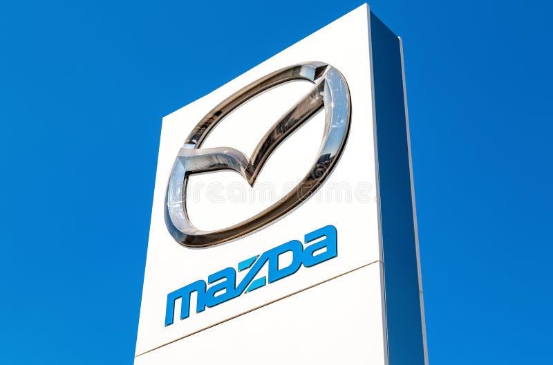 Offizielles Verkaufsstellezeichen Mazda lizenzfreie stockbilder