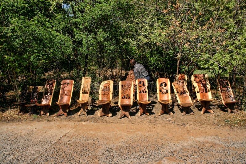 Offre riche de souvenir au marché, Victoria Falls, Zambie photo stock