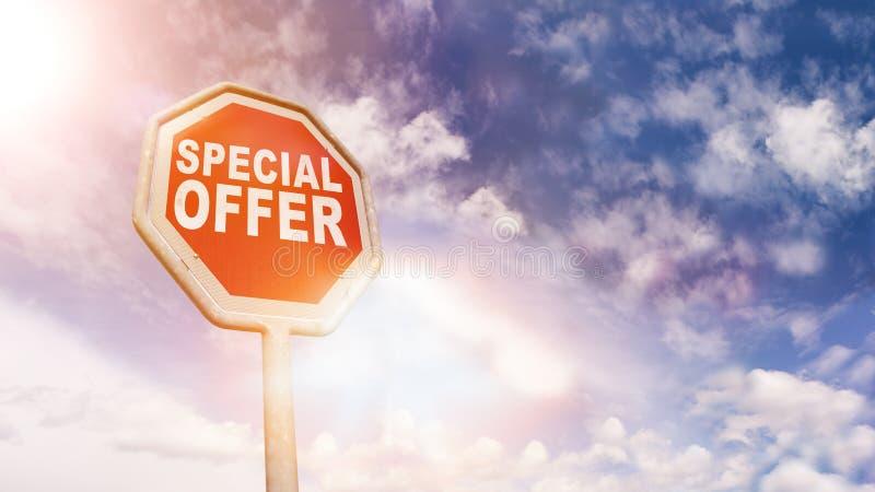 Offre spéciale sur le signe rouge d'arrêt de route du trafic photographie stock