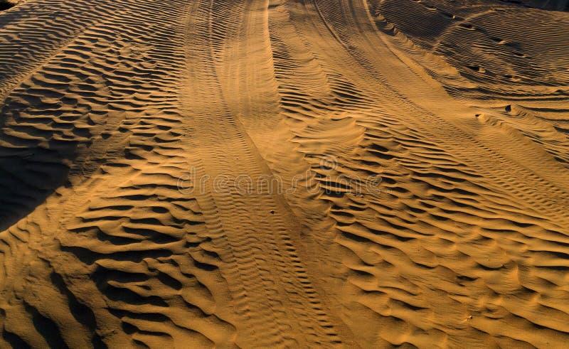 Offroad песок дюны следа сафари пустыни стоковые фотографии rf