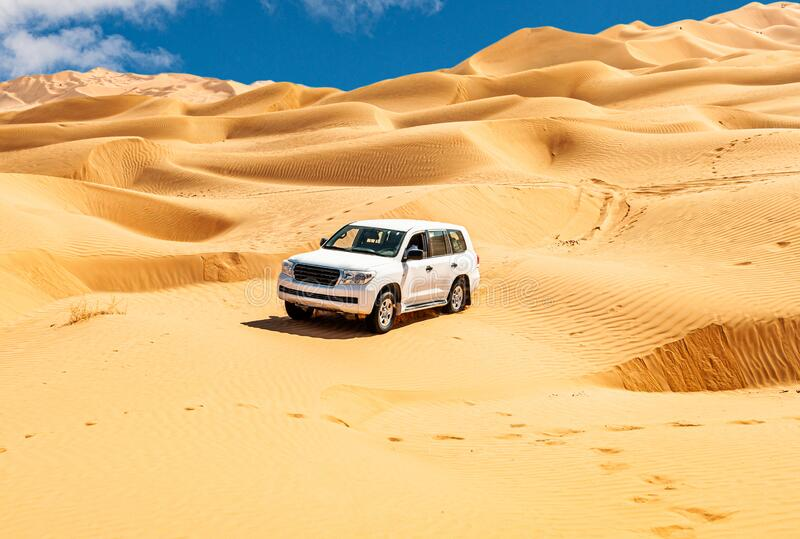 Offroad Jeep safari in Omani Rub al-Chali Desert royaltyfri foto