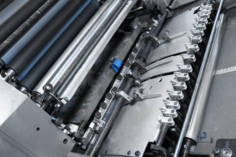 Offset- tryckpress i printery arkivbild